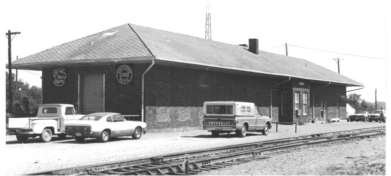 Commerce_Depot_1974